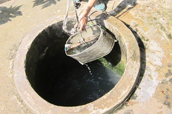 Vì sao người dân TPHCM chọn nước giếng khoan dù đã có nước máy?